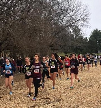 women running in NAIA Nationals