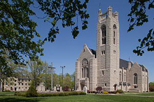 Exterior stone face of Williams Memorial Chapel and Hyer Bell Tower on the College of the Ozarks campus