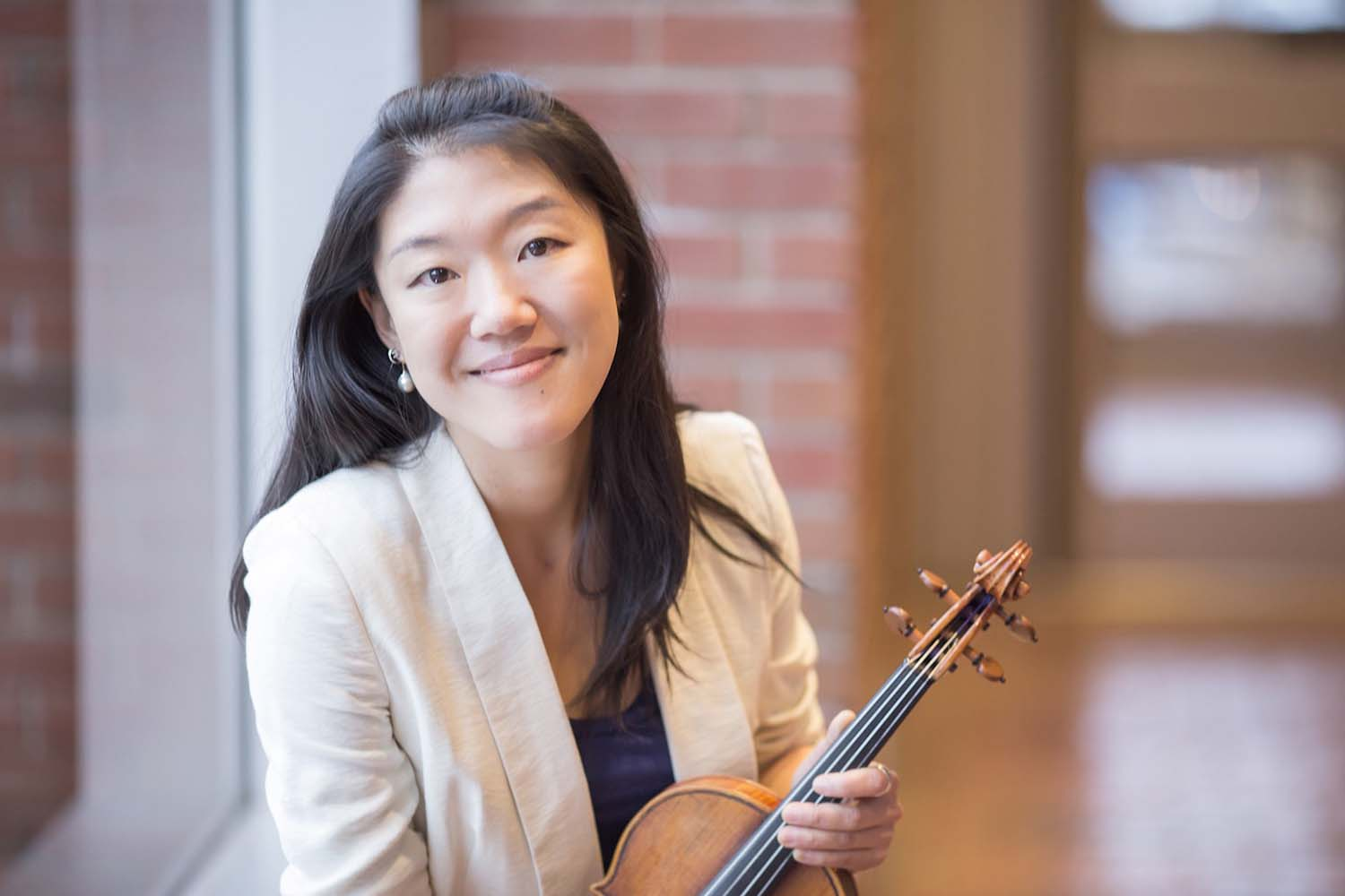 College of the Ozarks will host guest violinist Er-Gene Kahng and guest pianist Paul Whitley
