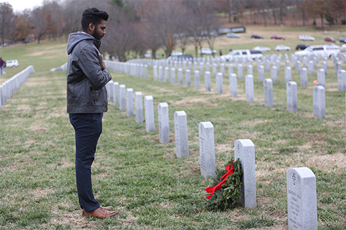 C of O student pays respect to fallen Veteran.