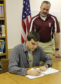 Kenneth White signing with Army ROTC