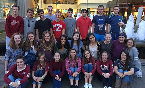 Freshmen students from School of the Ozarks traveled to Kansas City to volunteer at the Hope Center on Sept. 30 – Oct. 1.