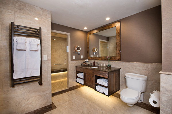 Luxury bath in Branson Skyline View Room